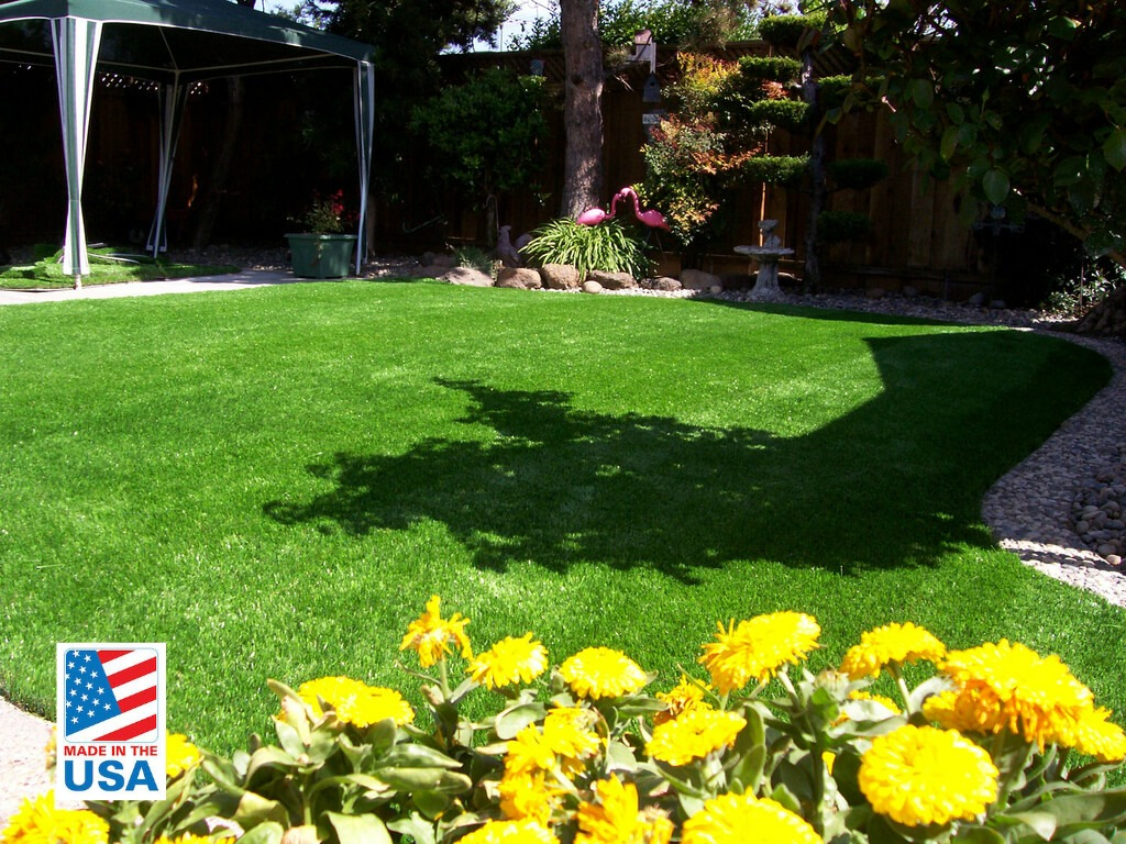 synthetic grass for home
