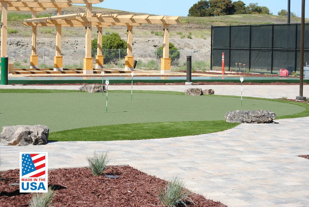 synthetic turf putting green