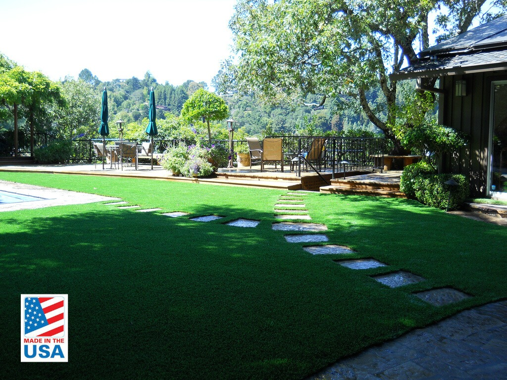 artificial grass for pool area